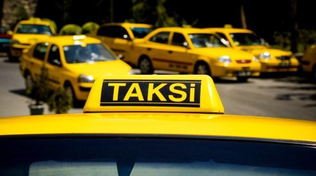 """Перед поездкой в такси убедитесь, что водитель """"не забыл"""" включить счетчик"""