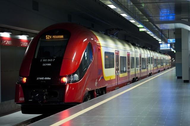 Поезд S2 из аэропорта Варшавы