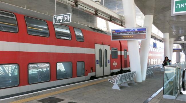 Поезд и аэропорта Бен Гурион до Тель Авива