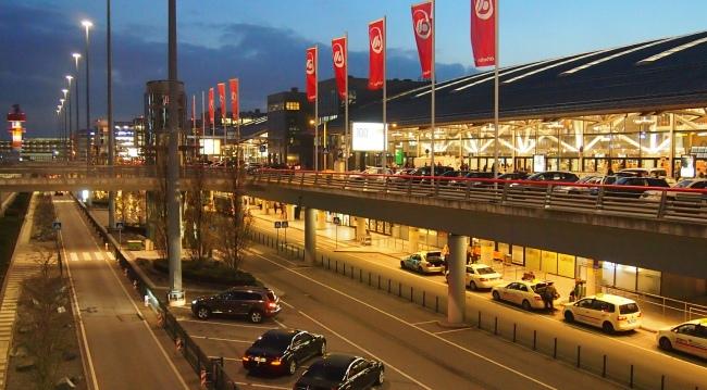 Аэропорт Гамбурга ночью