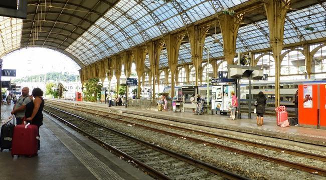Из аэропорта Ниццы до города на поезде