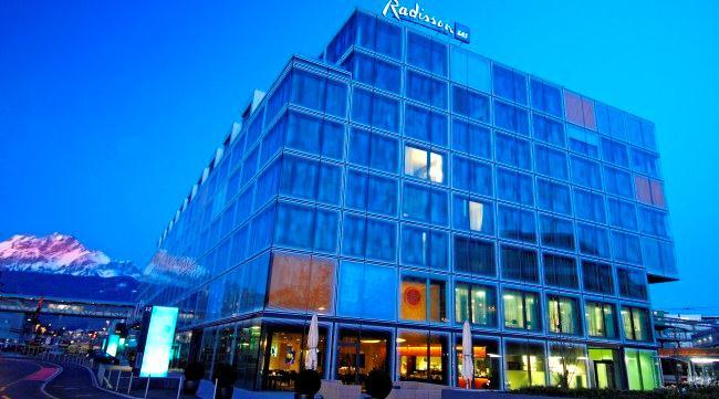 Отель Radisson Blu Hotel в аэропорту Клотен