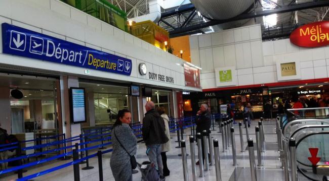покидая аэропорт Ниццы