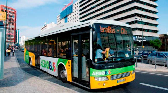 Аэробус в аэропорту Лиссабона