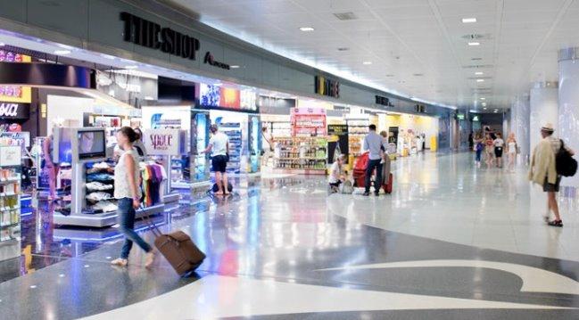 В терминале аэропорта Ибица