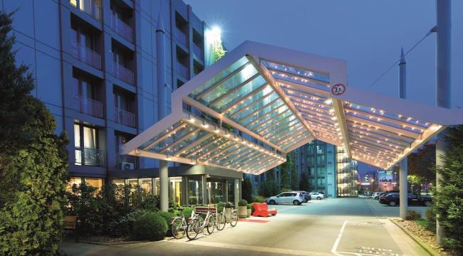 Отель Leonardo Hotel Hannover Airport