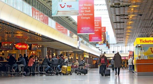В терминале аэропорта Лангенхаген