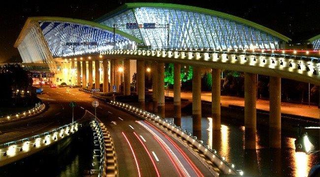 аэропорт Пудун ночью
