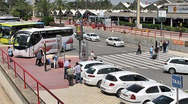 Такси в испанском аэропорту Аликанте
