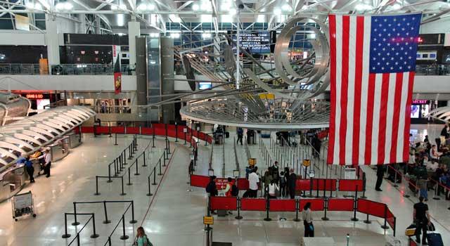 В терминале аэропорта