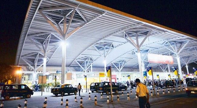 Стоянка такси в аэропорту Дели