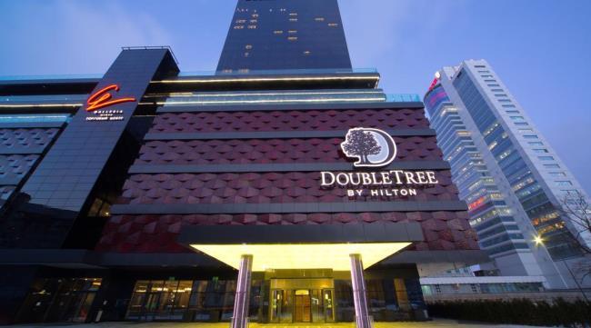 В отель DoubleTree by Hilton из аэропорта
