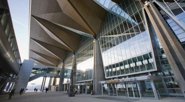 главный аэропорт Санкт-Петербурга
