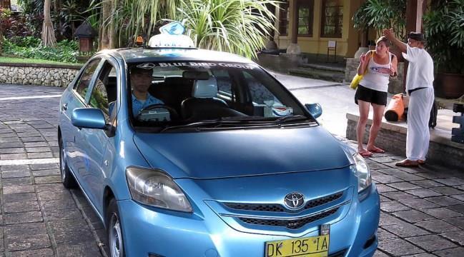 Из аэропорта Денпасар на Бали на такси