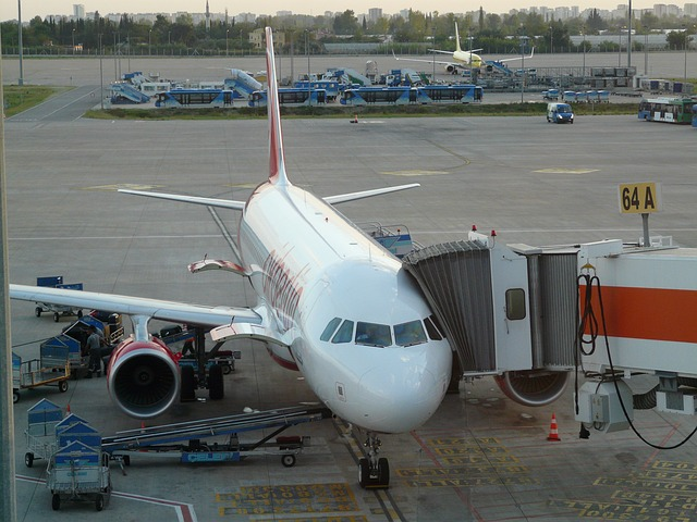 Самолет в аэропорту Анталии