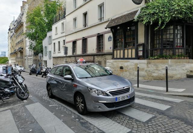Такси в Париже, Монмартр