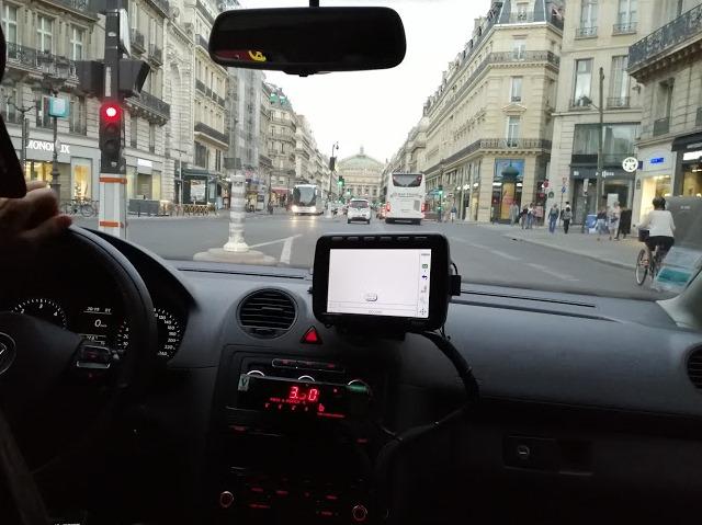 счетчик в такси Парижа
