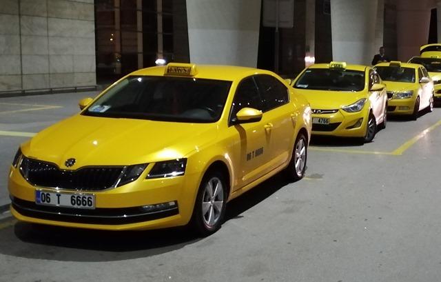 Машина такси в Турции