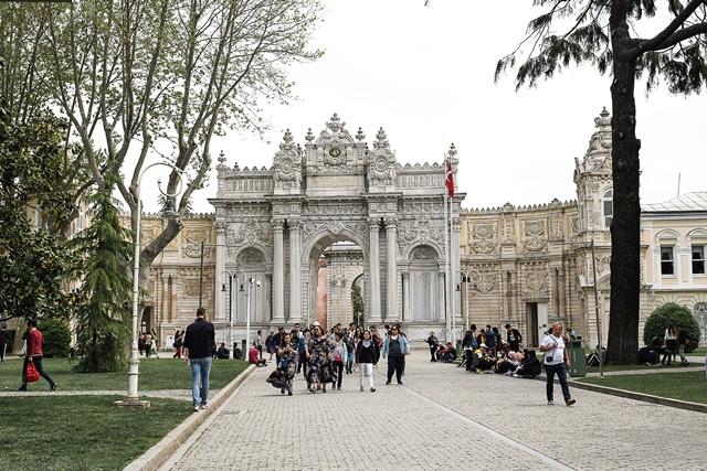 Ворота дворца Долмабахче