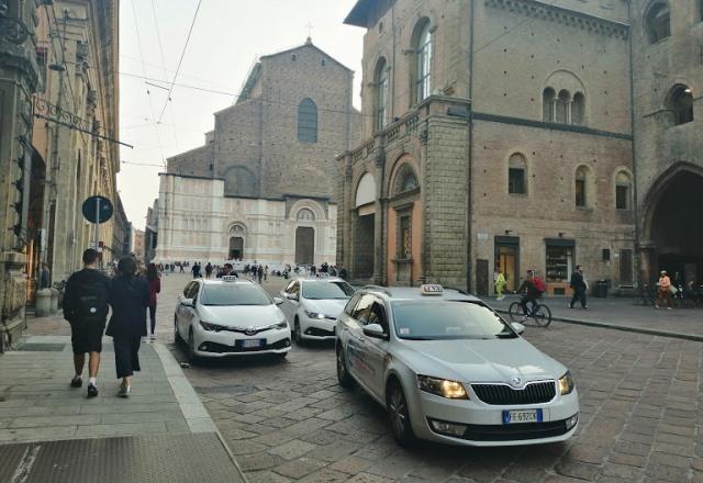 Такси из аэропорта Болоньи
