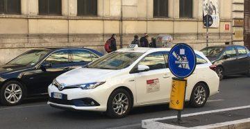 Такси в Риме по городу и из аэропорта в центр