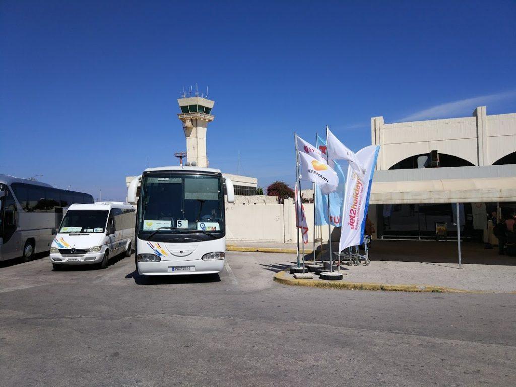автобусы в аэропорту Родоса