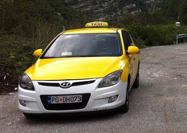 Такси в Тивате из аэропорта